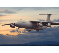 Самолет Lockheed C-141B Starlifter