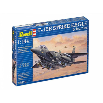 Самолет F-15E Strike Eagle & Bombs