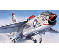 H07226 Hasegawa Американский палубный истребитель F-8J Crusader PT26 (1:48)