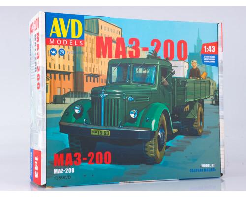 Сборная модель МАЗ-200 бортовой