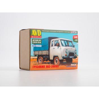 1498AVD Сборная модель УАЗ-39095, 1/43
