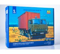Сборная модель КАМАЗ-53212 контейнеровоз