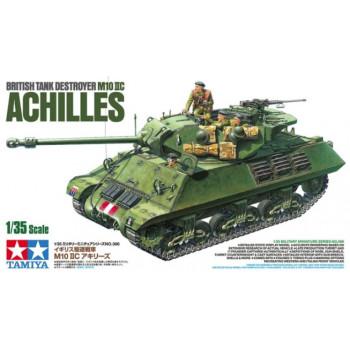 Английский противотанковая сомоходная артиллерийская установка M10 IIC ACHILLES с тремя фигурами.