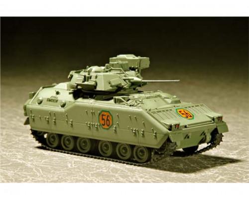 07295 БМП M2 Bradley Infantry Fighting Vehicle (1:72, Trumpeter)