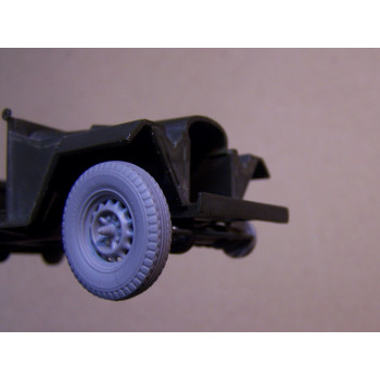 ГАЗ-67,БА-64 колеса с шоссейной резиной ,тормозные барабаны