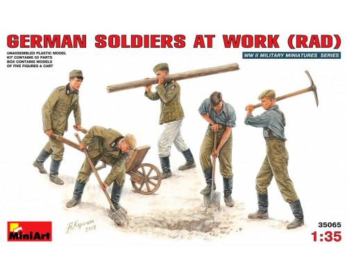 Немецкие солдаты на работе (RAD)