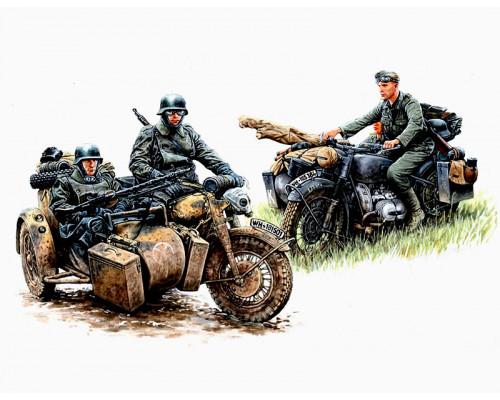 Фигуры Немецкие мотоциклисты на марше