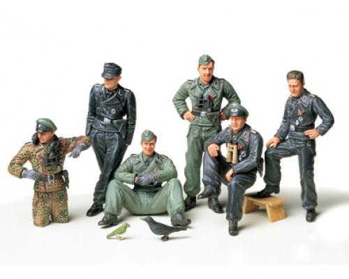 35201 Tamiya 1/35 Немецкий экипаж танка на отдыхе. 6 солдат